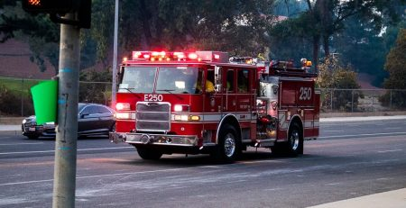 Jacksonville, FL – Firetruck Accident on I-95 Near Emerson St