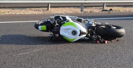 How Does a No-Contact Motorcycle Accident Happen?